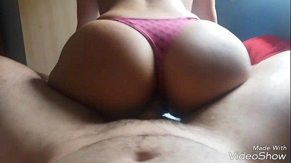 Esposa bunduda fodendo com a calcinha atolada no cu