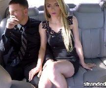 Caiunanet mulher loira fode com empresario no carro