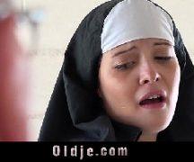 Comendo a freira que gosta de pica