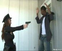 Www.pornodoido.com peituda policial levando vara preta
