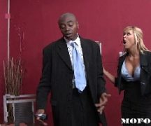 Videox negro bem dotado comendo a loira