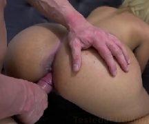 Porn brazil com a loira de quatro sendo fodida