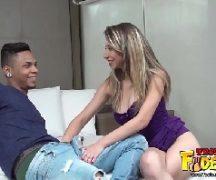 X videos brasileirinhas com loira cachorra metendo com o ator porno