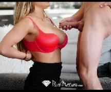 Mulher traindo o marido com o amante