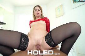 Foda anal com a perfeita loira de bunda macia dando o cu