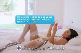 Play boy porno com a moreninha dando para o massagista