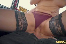 Filmes online porno gratis com loira nua dentro do taxi transando