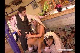 Gostosa nuas no dia do casamento dando para o padrinho