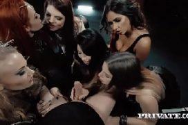 Grupos porno cara na orgia com varias mulheres