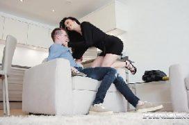 Xvideos primos fodendo e gozando em sexo na sala de casa