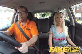 Xvideo casal dentro do carro metendo gostoso