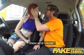 Xvideos 18 ruiva no carro com o camarada a fodendo toda