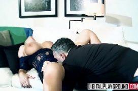 Explicita porno com a gata dos peitos macios que vai sendo fodida todinha