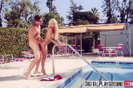 X videos prima loira cheia de prazer em uma transa sem camisinha